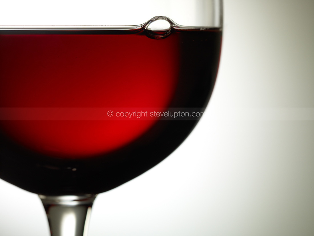 Red wine 010758opt